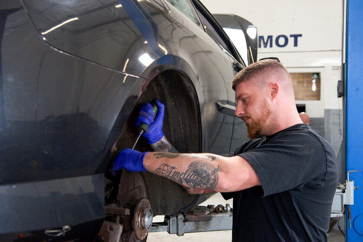 Brake Pads replacement at The Motor Company Leicester PPS ltd