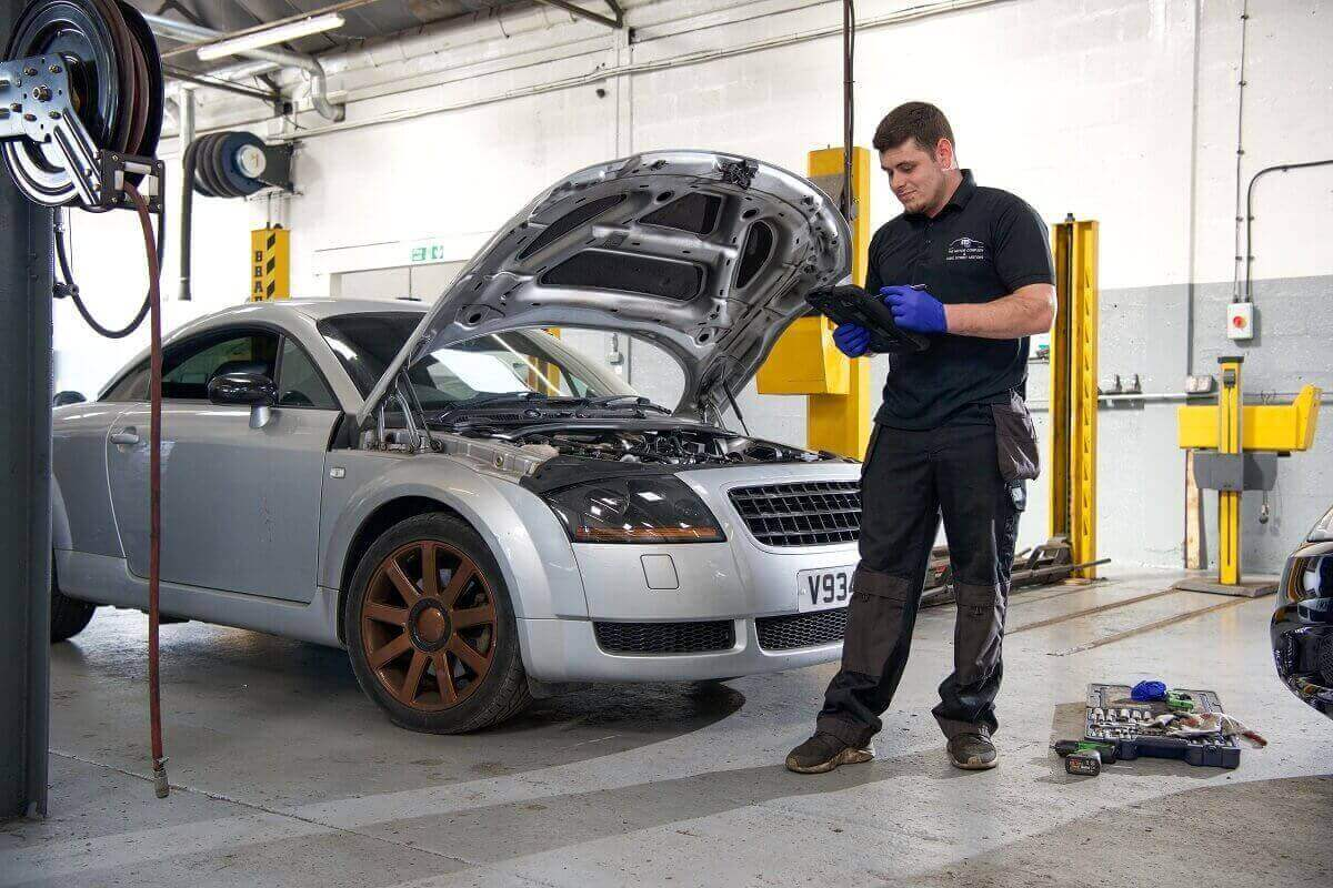 Car Inspection at The Motor Company Leicester PPS ltd