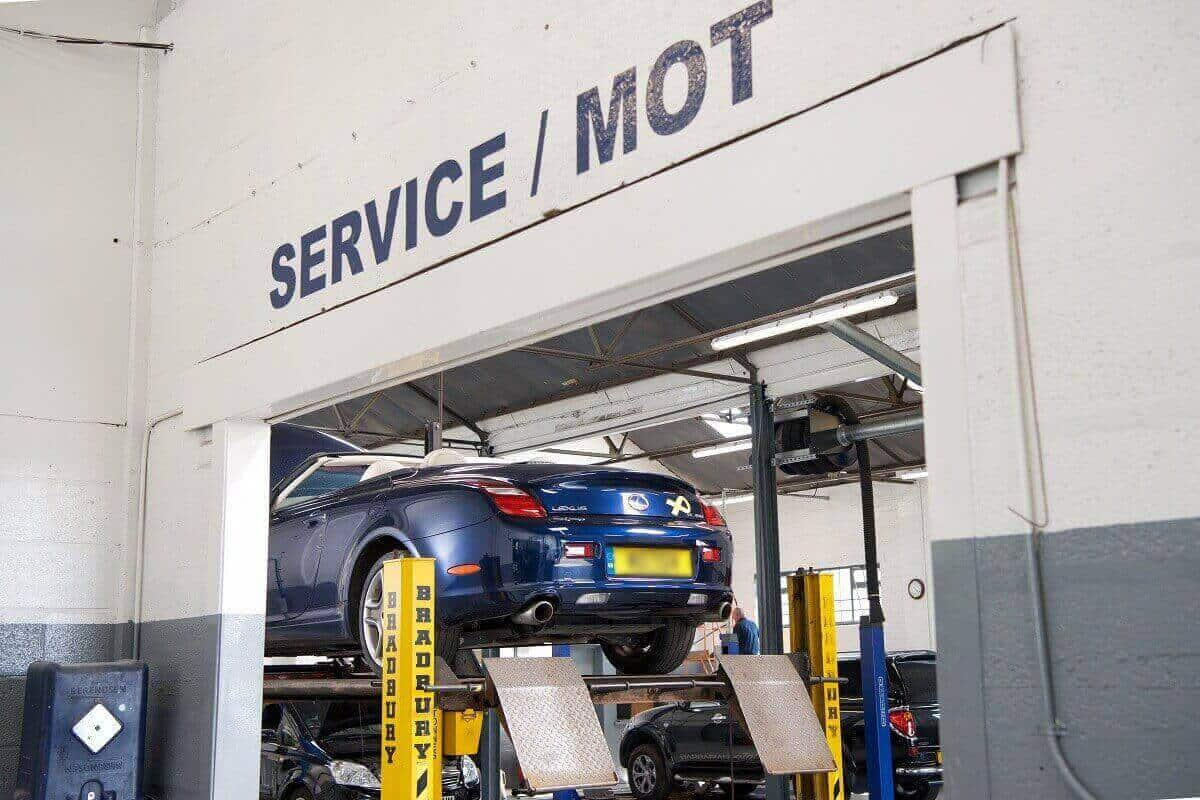MOT test at The Motor Company PPS ltd